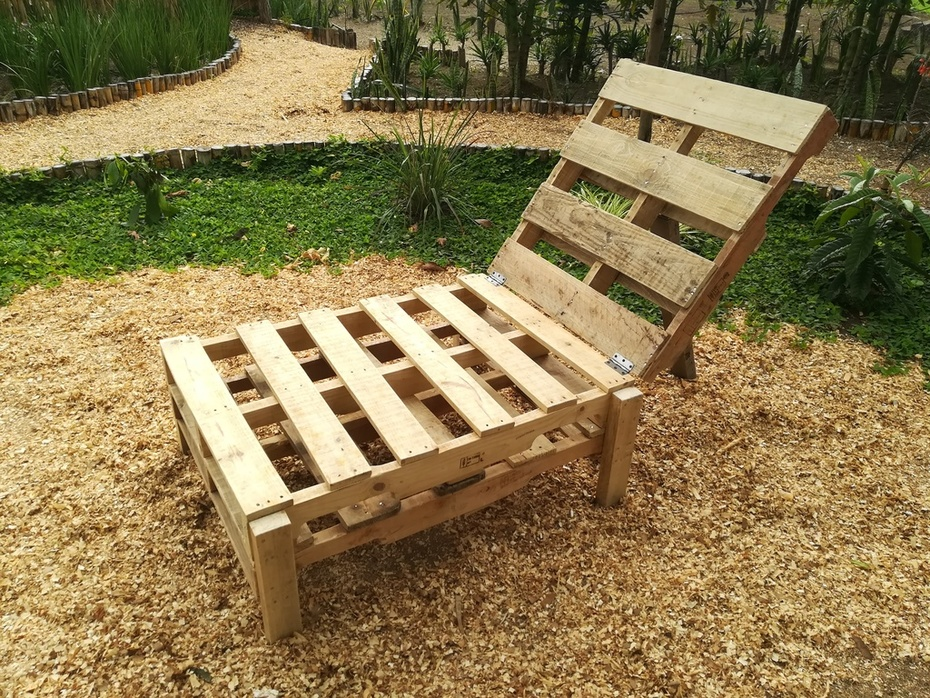 Wooden Pallets Garden Furniture