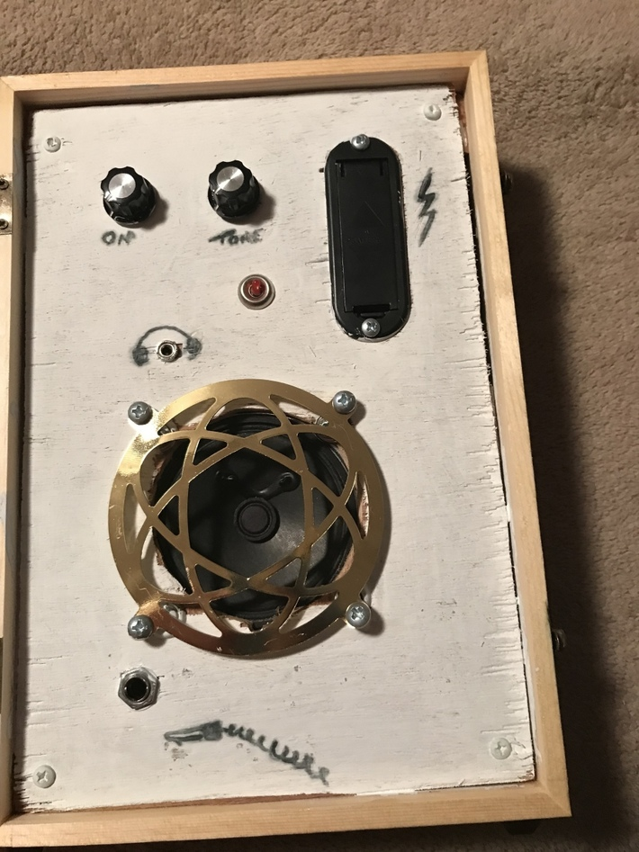 Cigar box practice amp