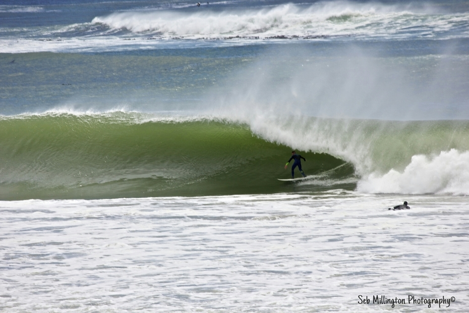 Unknown surfer getting pitted at Krans