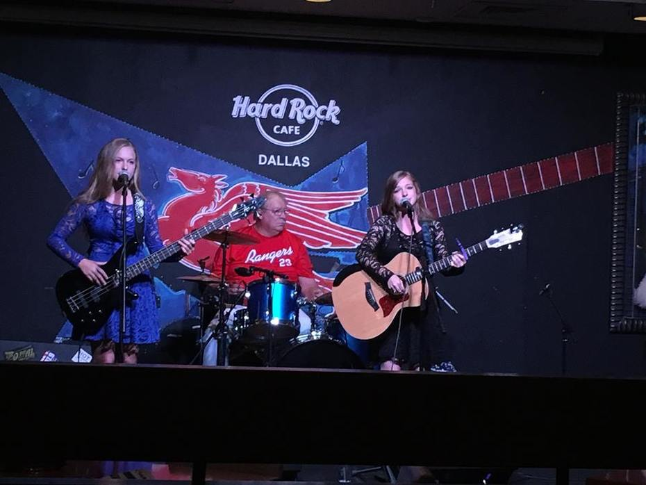 21430637_1668574356509641_6343123021157633315_n.jpg Hard Rock Cafe Dallas 9-5-2017