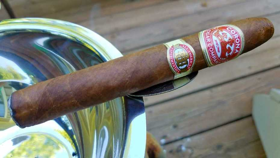 Corona Cigar All-American Experimentals torpedo up this evening.