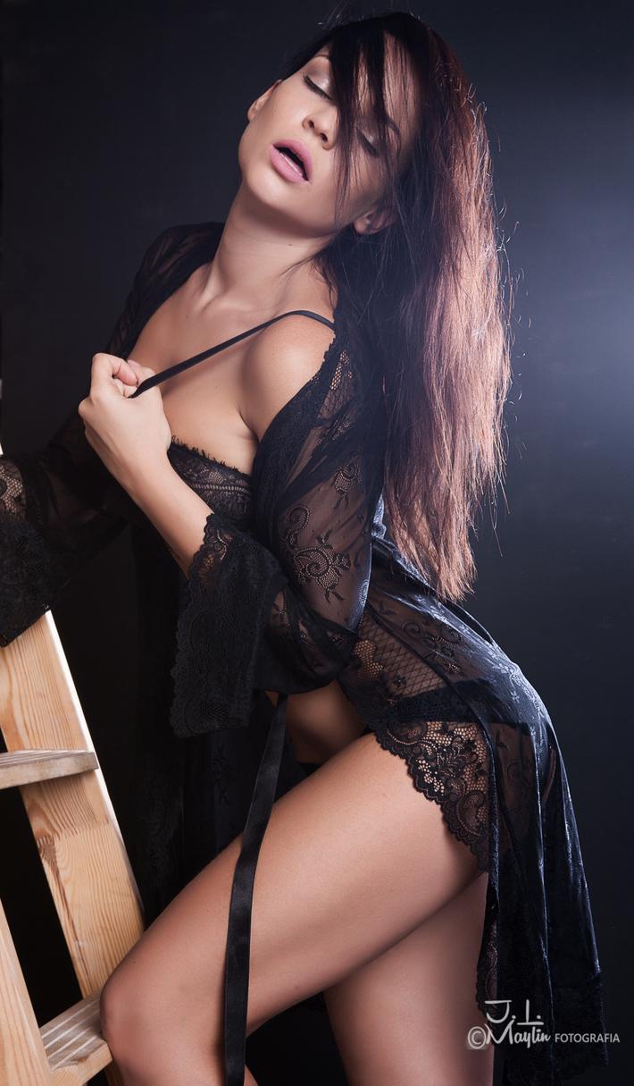 Angelina, Cuerpo y Alma