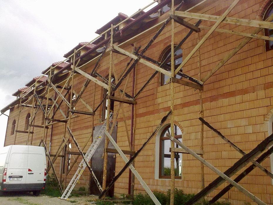 (06-2011) Rakvice - Montáž oken - Víno Rakvice