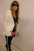 Black and White suite style with Rosana Bag and a elegant look by Bea Conesa Arabic Chic Style