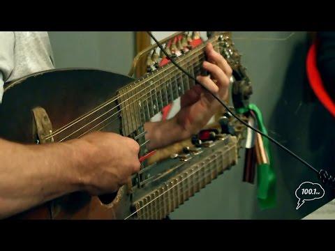 Сергей Садов - Песни ветра. Садора- это музыкальный инструмент, который создал Сергей.