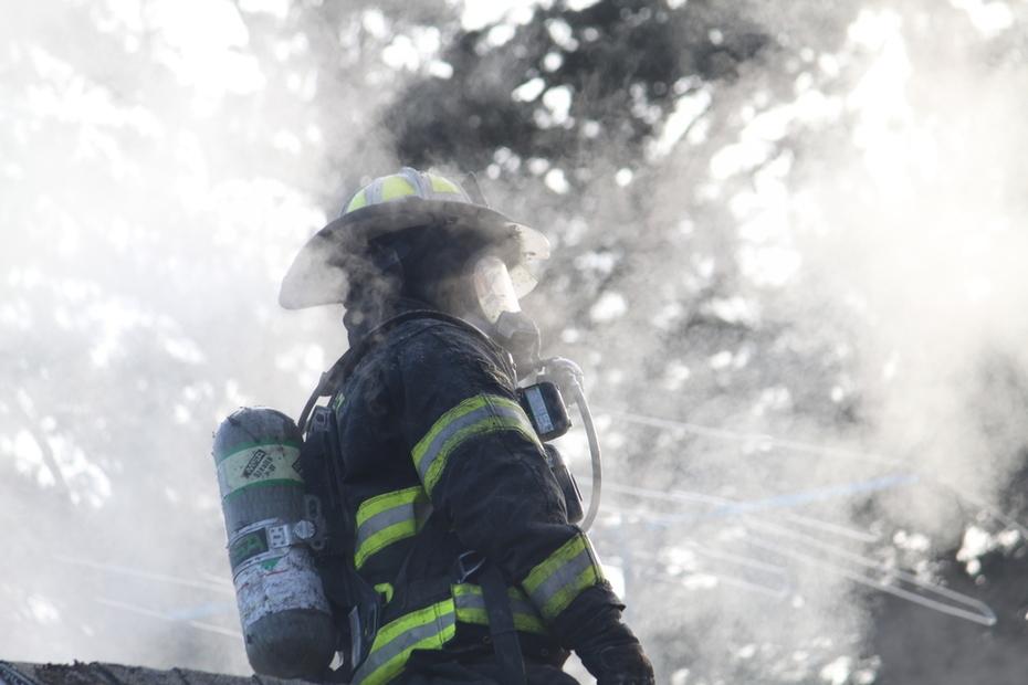 val fire house burn 12182011 035