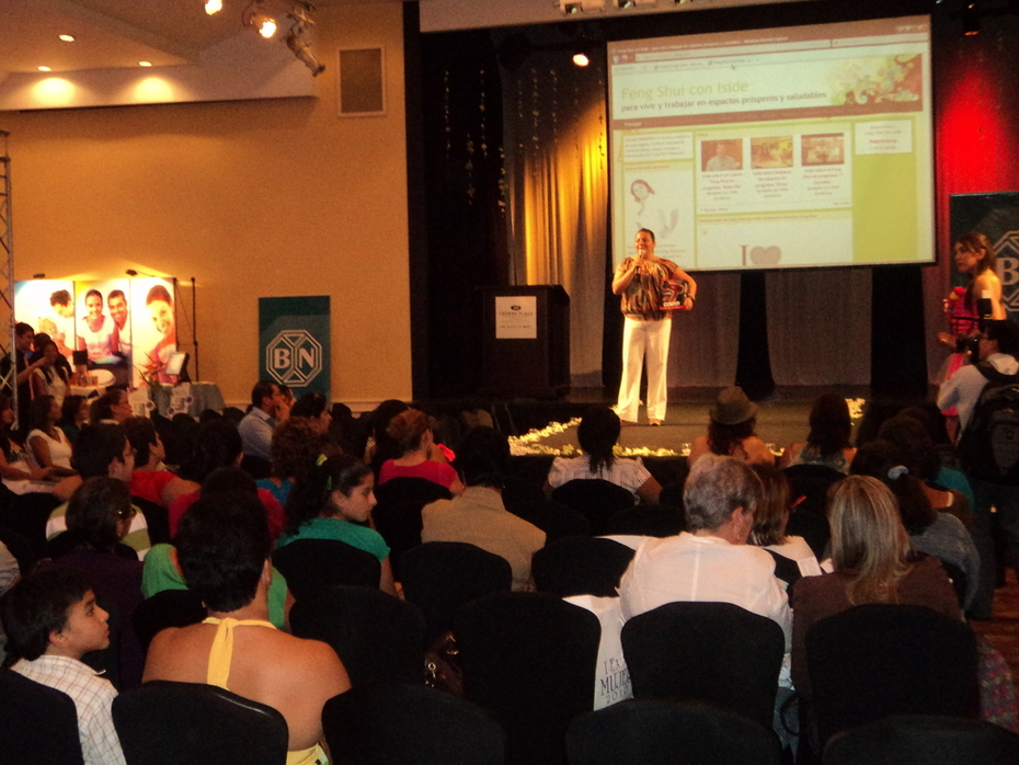 presentación de Iside en Expo Mujer. 3 de julio 2010. Hotel Corobicí