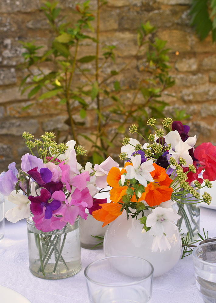 Table decorations in spring