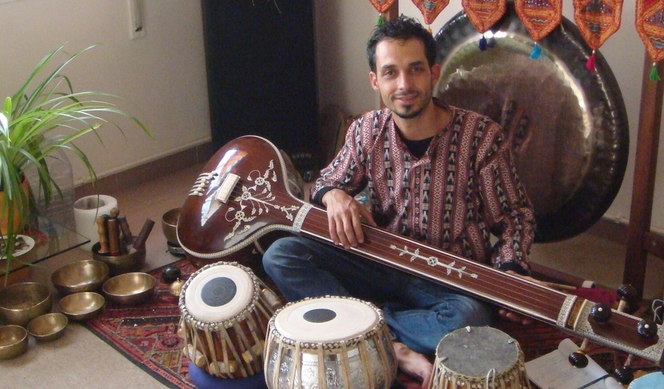 Joel amb instruments