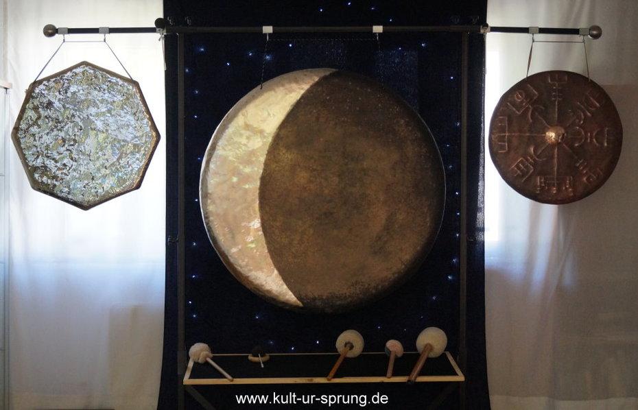 3 gongs