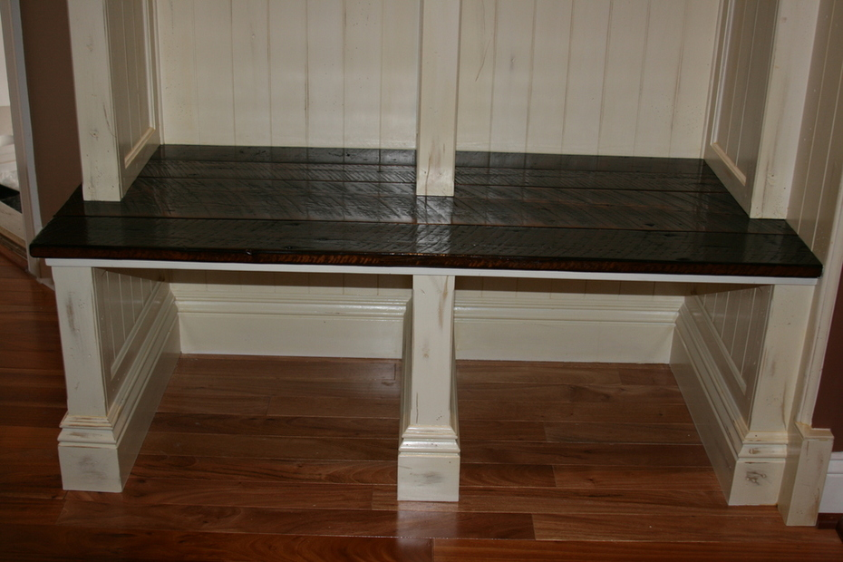 Small Mudroom BI bench