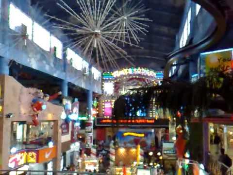 First World Hotel Indoor Genting Theme Park - Reindeer Cruiser Ride