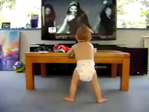 Cute baby dancing Single Ladies (Put a ring on it ) -official video