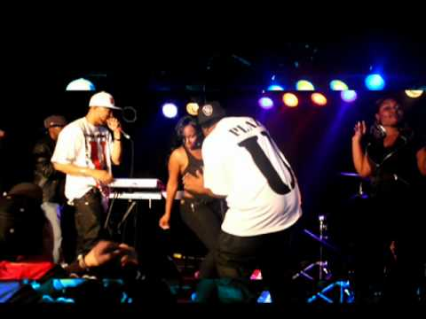 Unyon Entertainment Performs At the Rave