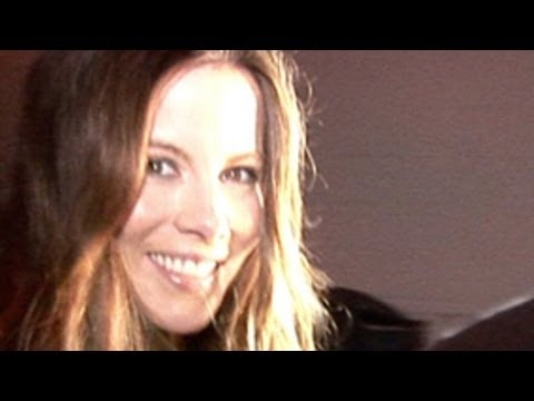 Kate Beckinsale -- The Best Penis Prank EVER
