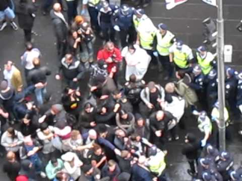 Occupy Melbourne gets messy