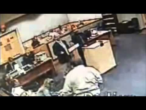 Watch A Florida Judge Beat Up A Lawyer In The MIDDLE Of Trial