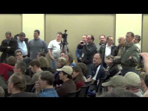 Veteran Stands Up For 2nd Amendment At Chicago Anti-Gun Forum