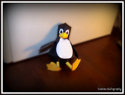 Tux the penguin papercraft