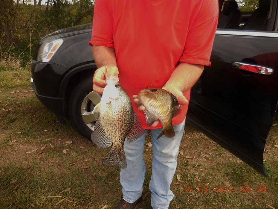 10/6/17 A nice crappie & gill ..... great guy to fish with and thanks Paul for taking me to your spot...