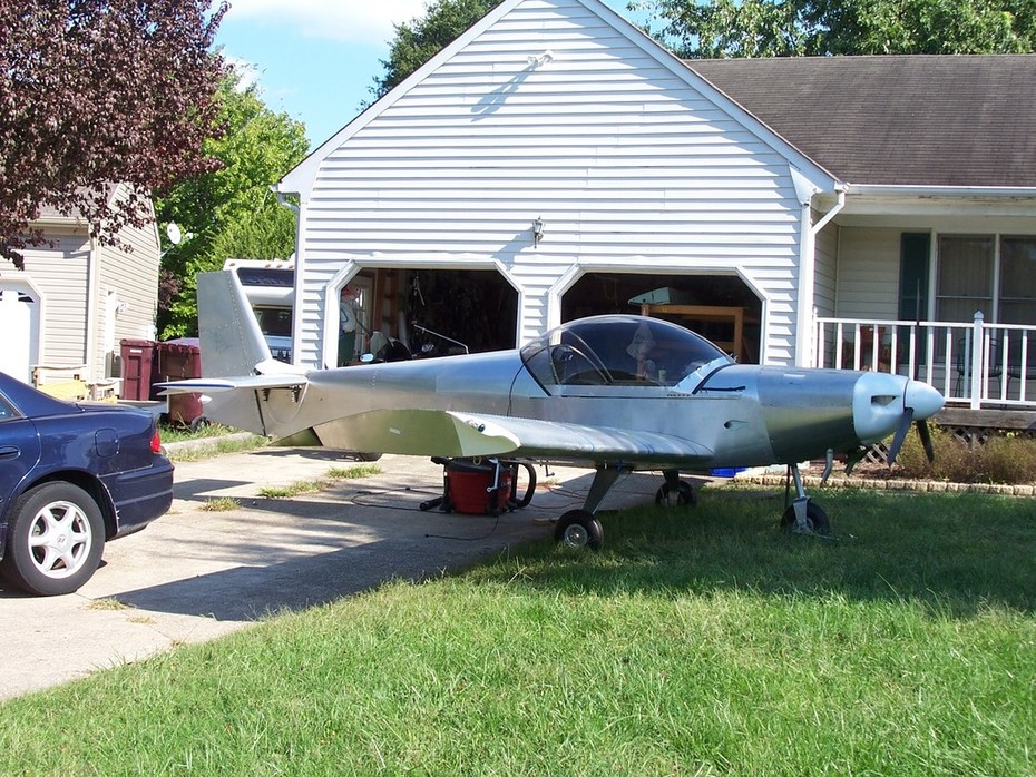 Completed airplane, October 2008