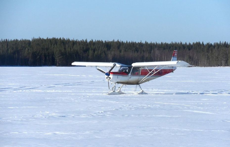 Zenith STOL on snow skis in Northern Finland