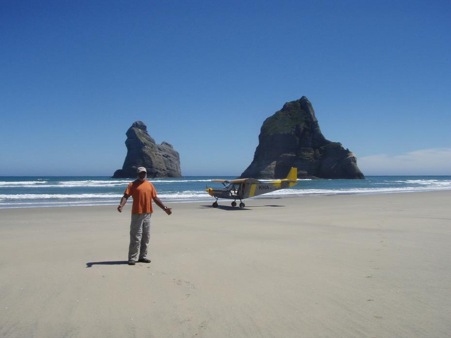 CH701 on Wharariki beach - New Zealand