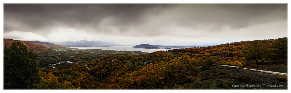 Πανοραμική από τήν Λίμνη Καστοριάς