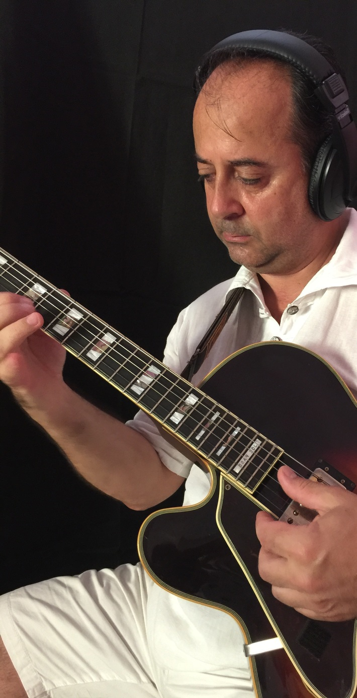 Roberto Tola in Studio