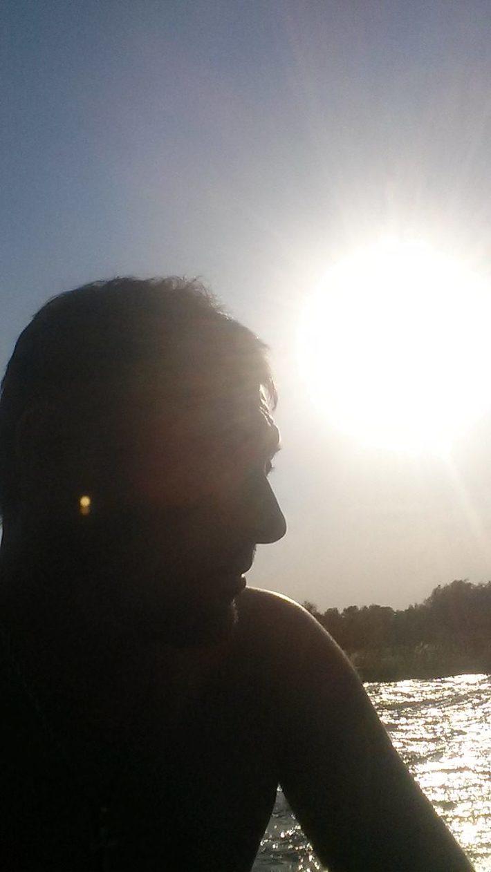 მდინარე აგრილებს მცხუნვარე მზეს