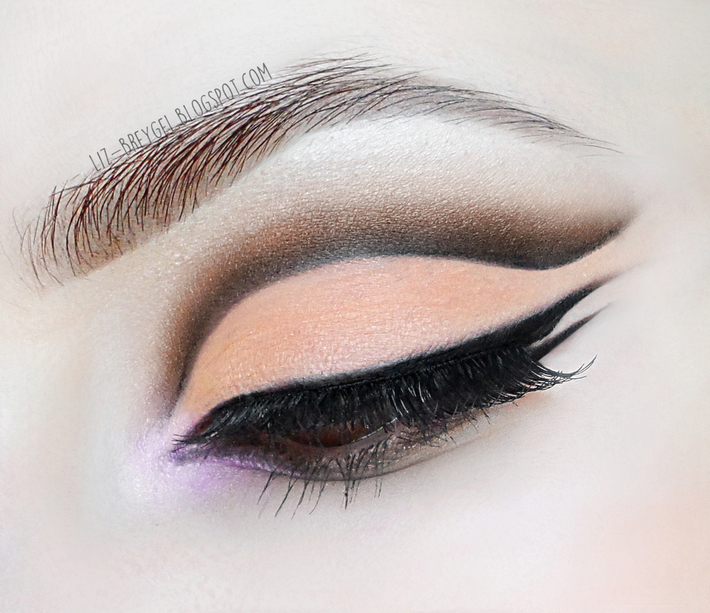 Dramatic Cut Crease & Triple Graphic Eyeliner