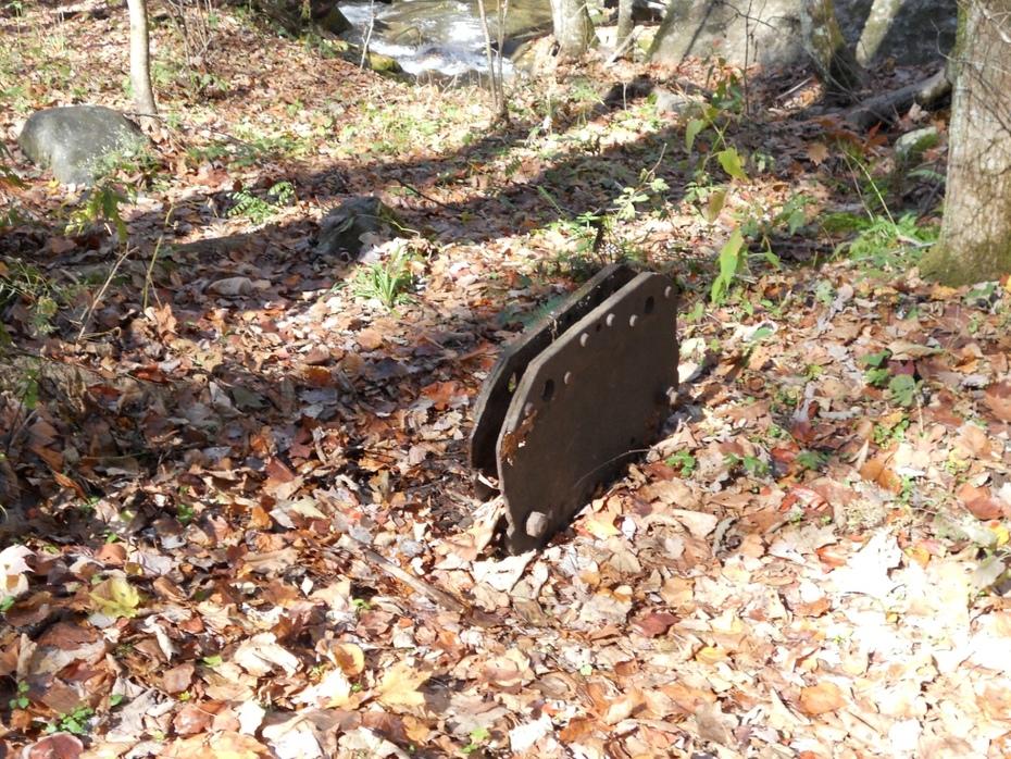 RR artifact along Sams Ck