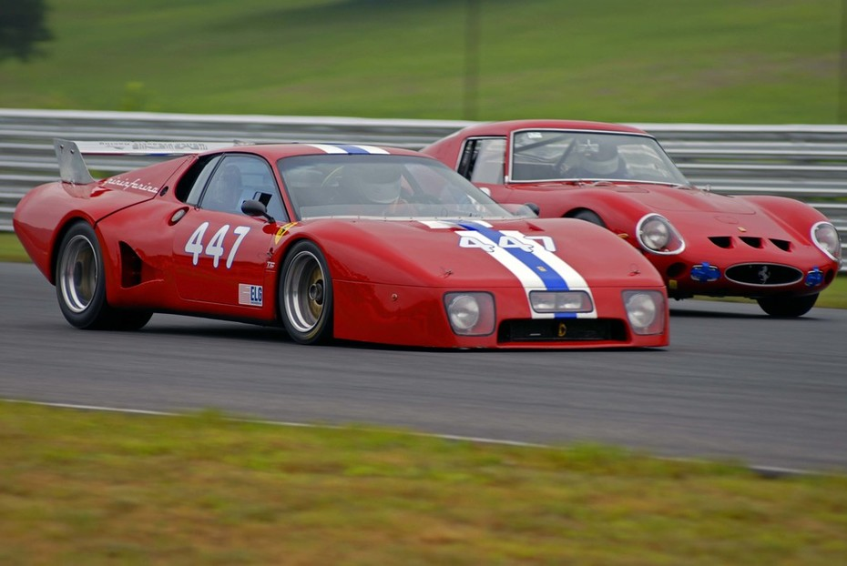 2 ferraris Lime Rock