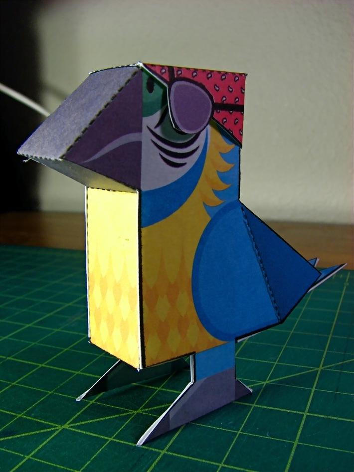 Paper Foldables Parrot