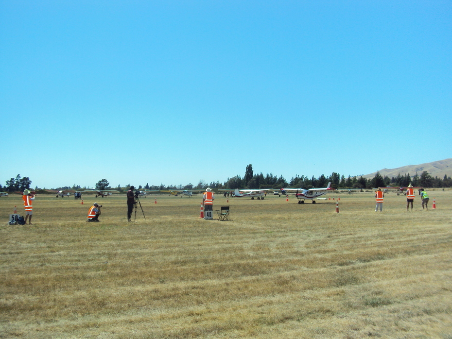 STOL Competition : Photo 3:  Landing