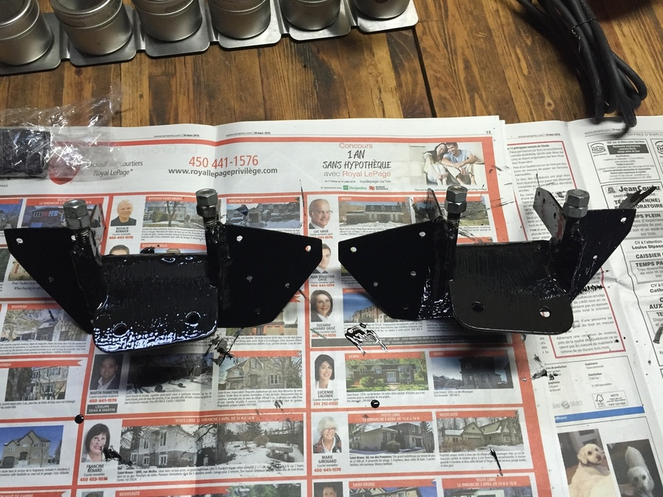 Strut brackets painted