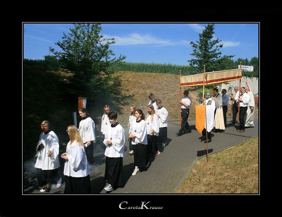 Beginning of a Corpus Christi procession