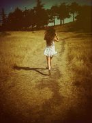 Im runnin' to the edge of the world... runnin'.. runnin' away!!!