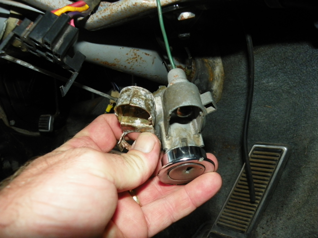 Ignition Switch with light plugged in