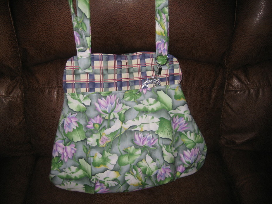 12 purse water lily 004