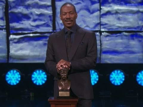 Murphy Makes Cosby Jokes at Award Ceremony
