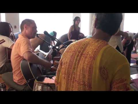 Hang Drum ~ Masood Ali Khan, Girish, Tony Khalife play for Saul David Raye's Yoga class