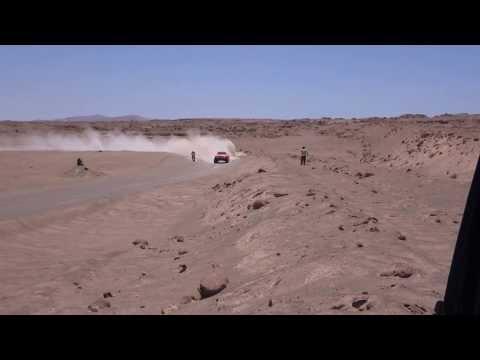Robby Gordon pasando moto