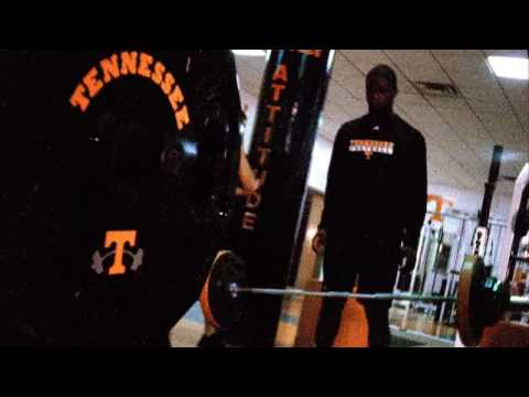 Tennessee Football Weightlifting