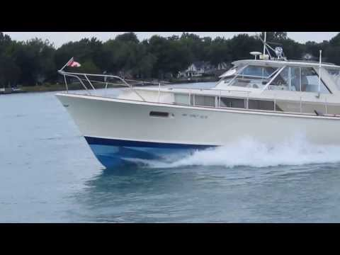 1964 38 CHRIS CRAFT COMMANDER 2013 UNDER POWER
