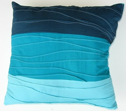 "Tutorial: Pin Tuck ""Wave"" Throw Pillow"