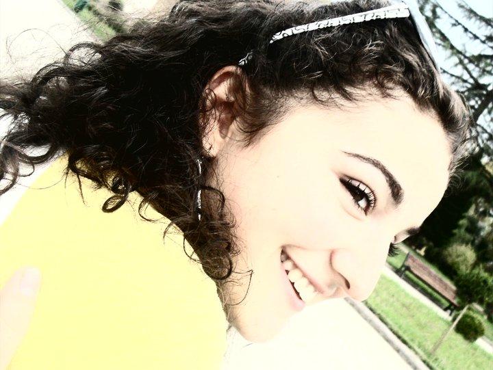 Qwelly, blog, positive, smile, ბედნიერება, ბლოგი, გაიღიმე, პოზიტივი, სიცილი, ქველი, ღიმილი
