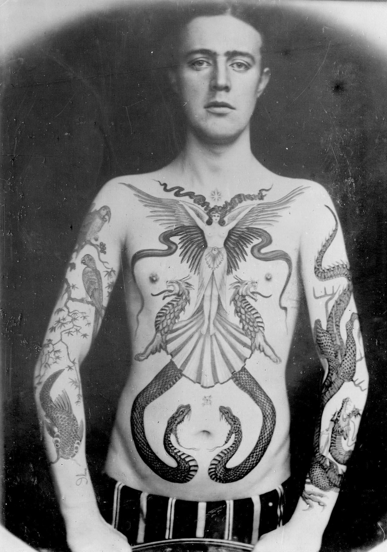 ვიქტორიანული დრო, ვიქტორიანული ინგლისი, ვიქტორიანული ბრიტანეთი, ტატუირება, ვიქტორიანული ტატუ, ხელოვნება, ხელოვანი, არქივი, საზერლენდ მაკდონალდი, Qwelly, art, Victorian Times, England, Britian, First Tattoo Artists, Sutherland Macdonald, Victorian Tattoo, Tattoo