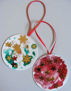 Christmas crafts at Stroud Green and Harringay Library: Make a Christmas Tree Decoration