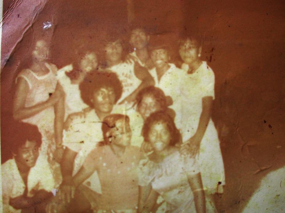 Buakonikai Youth 1980 - it's 30yrs ago. Front L-R: Karakeitoi Motua, Nei Toue , Nei Turianna Ekeaua. Middle L-R: Ingiraua Kaitetara, Nei Koriei Teetu. Back L-R: Nei Karebo Touongo, Nei Tikara, Retitar